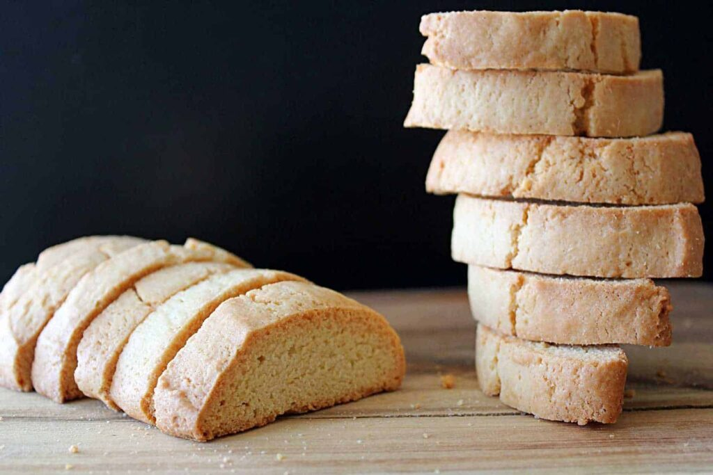 This is the BEST Vanilla Biscotti recipe I've ever had. And the easiest biscotti recipe I've ever made | cravethegood.com
